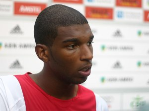 ryan_babel_in_club_shirt