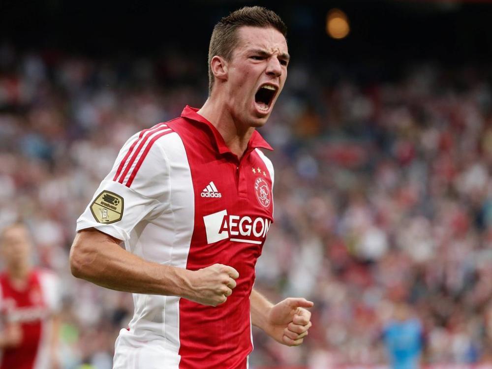 Nick Viergever of Ajax during the Dutch Eredivisie match between Ajax Amsterdam and Vitesse Arnhem a
